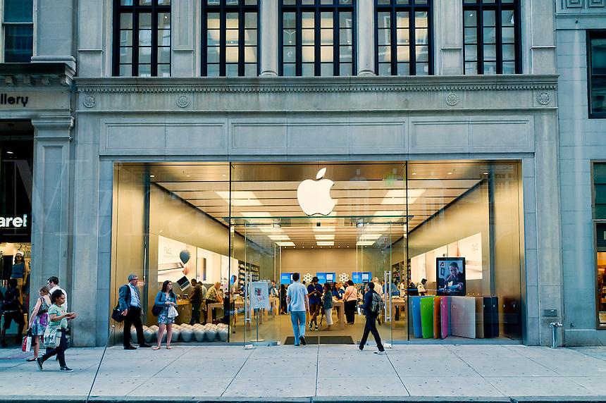 Busy Apple store on Walnut Street, Philadelphia, PA, USA
