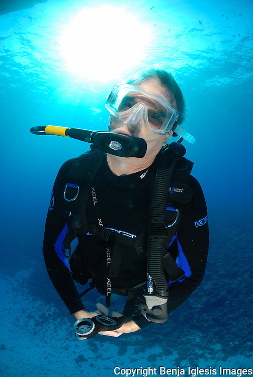 Diver doing safety stop at Molokini Maui.