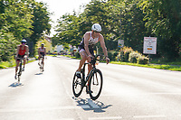 Radfahrer kommen nahe dem SKV Stadion ins Ziel - Mörfelden-Walldorf 18.07.2021: MoeWathlon