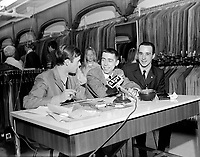 Gilles Latulippe chez St.Lawrence Clothing<br /> , le 10 mai 1969<br /> <br />  Photo Moderne<br /> <br /> - Agence Quebec Presse