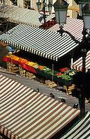 Europe/France/Provence-Alpes-Côtes d'Azur/06/Alpes-Maritimes/Nice : Cours Saleya - Le marché