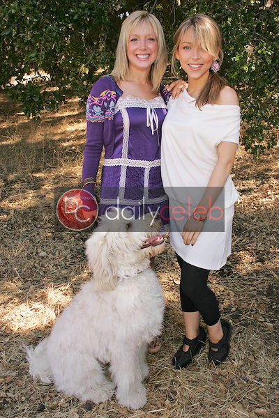 """Courtney Peldon and Ashley Peldon<br />at the 2006 Labradoodle Romp, and Taping of Animal Planet's """"Cinderella Pets"""" hosted by Courtney Peldon. Santa Monica Mountains, Los Angeles, CA. 09-09-06<br />Dave Edwards/DailyCeleb.com 818-249-4998"""
