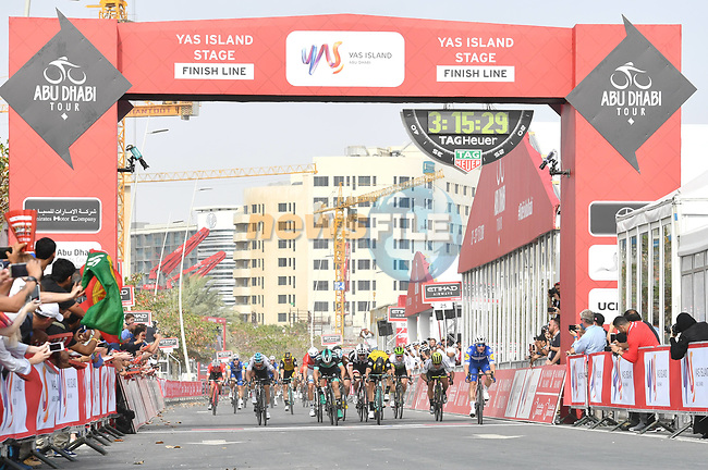 Elia Viviani (ITA) Quick-Step Floors wins Stage 2 of the 2018 Abu Dhabi Tour, Yas Island Stage running 154km from Yas Mall to Yas Beach, Abu Dhabi, United Arab Emirates. 22nd February 2018.<br /> Picture: LaPresse/Massimo Paolone | Cyclefile<br /> <br /> <br /> All photos usage must carry mandatory copyright credit (© Cyclefile | LaPresse/Massimo Paolone)