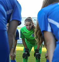 Genk's goalkeeper Joséphine Delvaux pictured during the huddle before a female soccer game between Eendracht Aalst and Racing Genk on the fifth matchday of the 2020 - 2021 season of Belgian Scooore Womens Super League , Saturday 28 th of November 2020  in Aalst , Belgium . PHOTO SPORTPIX.BE | SPP | SEVIL OKTEM