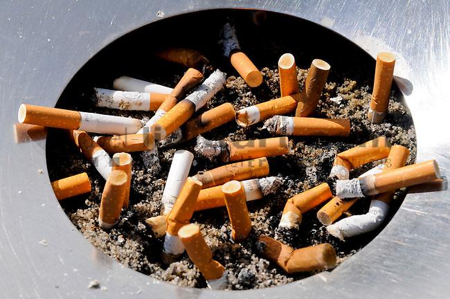 Smoking, Rauchen, Zigaretten, Cigarets, Zigarettenstummel, Eschen, Liechtenstein.