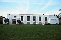 Greenbelt:  Greenbelt Center Elementary School, 1937.  International style.  Photo '85.