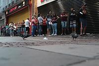 Campinas - SP, 03/01/2020 - Comercio - Primeira cliente a chegar as 8 horas da manha na quinta-feira (2), Luiza Goncalves Modesto de Souza, 57 anos. A varejista Magazine Luiza realiza nesta sexta-feira (3), a 27ª edicao da Liquidacao Fantastica, a sua tradicional liquidacao para queima de estoque. A promessa e de descontos de ate 70%.<br /> A rede possui 1.105 lojas em todo o Brasil. Na foto clientes na loja no centro da cidade de Campinas (SP).. Foto: Denny Cesare/Codigo 19 (Foto: Denny Cesare/Codigo 19/Codigo 19)