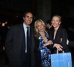 """ANTONELLA RODRIGUEZ E MAFALDA D'ASSIA<br /> VERNISSAGE """"ROMA 2006 10 ARTISTI DELLA GALLERIA FOTOGRAFIA ITALIANA"""" AUDITORIUM DELLA CONCILIAZIONE ROMA 2006"""