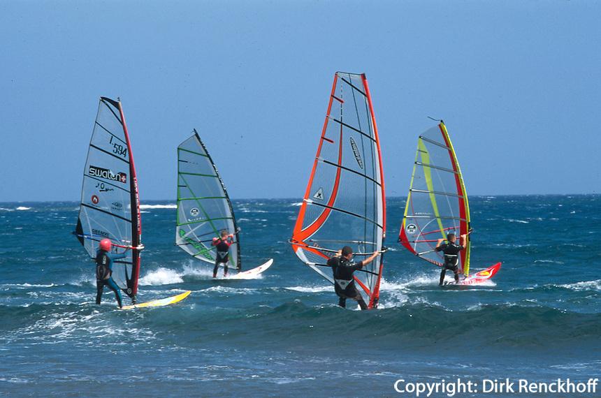 Spanien, Kanarische Inseln, Teneriffa, Playa del Medano, Windsurfer