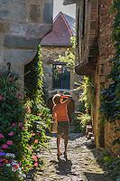 France, Lot, (46),   Capdenac-le-Haut, labellisé Les Plus Beaux Villages de France, rue du Sault // France, Lot, Capdenac-le-Haut  Capdenac le Haut, labelled Les Plus Beaux Villages de France (The Most Beautiful Villages of France), Rue du Sault