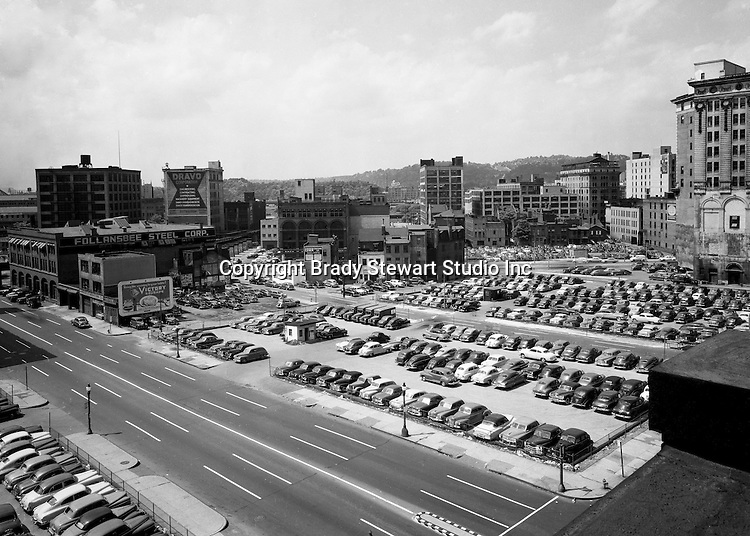 Pittsburgh PA:  View across the Boulevard of the Allies toward 3rd and Liberty Avenues before Gateway Center.