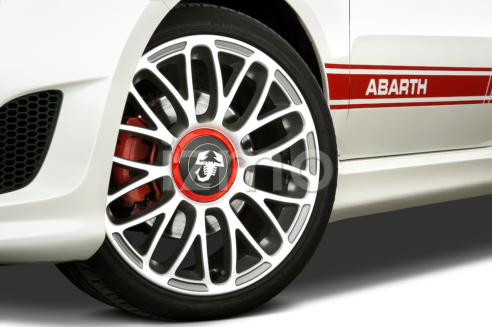 Tire and wheel close up detail view of a 2009 Fiat 500 Abarth 3 door hatchback