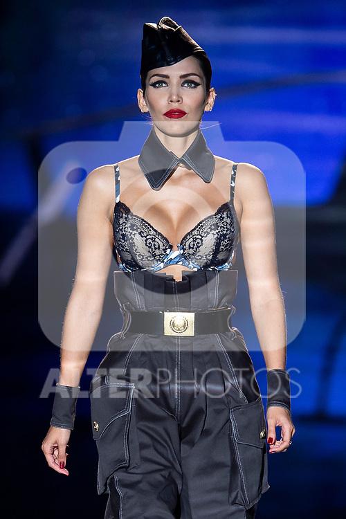 Model Rosanna Zanetti walks the runway at the 'Andres Sarda' catwalk during the Mercedes-Benz Madrid Fashion Week Spring/Summer in Madrid, Spain. July 09, 2018.(ALTERPHOTOS/Borja B.Hojas)