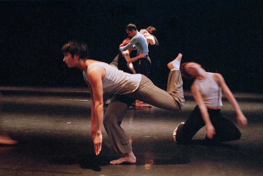 2003 Bernardette - triper Compagne Coline<br />Beta  choreographer Matjaz Faric - PTL