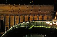 Europe/France/Rhône-Alpes/69/Rhône/Lyon: Le palais de justice et la passerelle - Vue nocturne