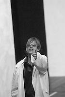 """Compagnia teatrale """"La Cucina"""" nata all'interno dell'ex ospedale psichiatrico Paolo Pini di Milano..spettacolo """"Marat """", regia Maurizio Lupinelli. In scena 60 attori, di cui 40 disabili"""