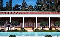 Malibu CA: J. Paul Getty Museum, Malibu. Langdon & Wilson, etc., 1972-73. (After Villa of the Papyri, Herculaneum)  Photo '86.