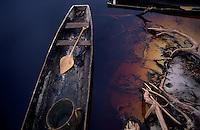 Canoa, comunidade Tukano, alto rio Curicuiarí. <br /> São Gabriel da Cachoeira, Amazonas,  Brasil<br /> Foto Paulo Santos