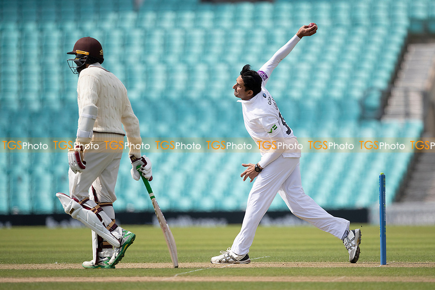Mohammad Abbas, Hampshire CCC in action during Surrey CCC vs Hampshire CCC, LV Insurance County Championship Group 2 Cricket at the Kia Oval on 30th April 2021