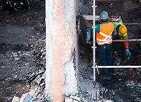 SÃO PAULO, SP, 22.06.2019: Ponte Jaguaré : Engenheiros e técnicos fazem análise das estruturas da Ponte Jaguaré  na manhã  deste sábado (22) na região oeste da cidade de São Paulo SP. (Foto: Roberto Costa /Código 19)
