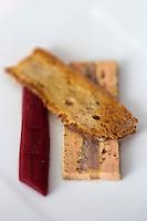 Europe/France/Rhône-Alpes/73/Savoie/Chambéry: Le foie gras pressé au lavaret fumé,  recette d'Alexandre Ongaro, Restaurant: Côté Marché
