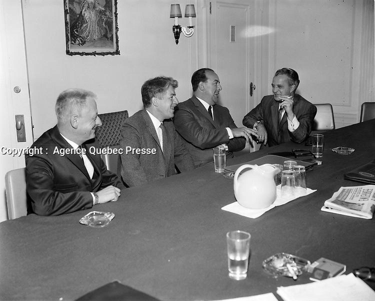 Re-ouverture du chantier de la Davies, 8 Aout, 1968, Levis (Quebec)<br /> <br /> Photo : AQP - Photo moderne