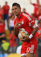 BUGA -COLOMBIA-17-08-2015: Ayron del Valle (Der.) jugador del América de Cali  celebra un gol durante partido por la fecha 6 de vuelta con Deportivo Pereira del Torneo Águila 2015 jugado en el estadio Hernando Azcárate de la ciudad de Buga. / Ayron del Valle (R) player of America de Cali celebrates a goal during the match for the 6th date of second leg against Deportivo Pereira of Aquila Tournament 2015 played at Hernando Azcarate stadium in Buga city. Photo: VizzorImage / Juan C. Quintero /
