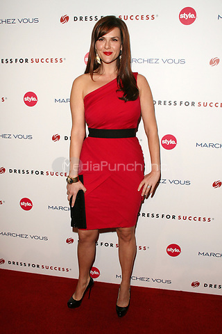 Sara Rue at the 3rd Annual Give & Get Fete benefiting Dress For Success Worldwide-West at The London Hotel on November 7, 2011 in West Hollywood, California. © mpi21 / MediaPunch Inc.