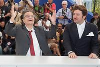 JEAN-PIERRE LEAUD, ALBERT SERRA - PHOTOCALL DU FILM 'LA MORT DE LOUIS XIV' - 69EME FESTIVAL DE CANNES, 19/05/2016