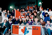 1995 FILE PHOTO - ARCHIVES -<br /> <br /> Crowd gathering at Star for bus to Montreal rally.<br /> <br /> PHOTO : Ron BULL - Toronto Star Archives - AQP