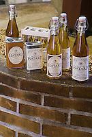 Europe/France/Poitou-Charentes/86/Vienne/Neuville de Poitou: Huilerie Jacques Batard Fabrique artisanale d'Huile de noix