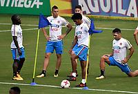 BARRANQUILLA - COLOMBIA  –  03  – 10 -  2017: Yimmi Chará (Izq.), Mateus Uribe (2 Izq.), Juan Guillermo Cuadrado (Cent.), James Rodríguez (2 Der.) y Radamel Falcao Garcia (Der.), jugadores de la Selección Colombia, durante entreno en el estadio Metropolitano Roberto Melendez. El equipo colombiano se prepara en Barranquilla para el partido contra la selección de Paraguay el 05 de octubre, partido clasificatorio a la Copa Mundial de la FIFA Rusia 2018. / Yimmi Chará (L), Mateus Uribe (2 L), Rodríguez Juan Guillermo Cuadrado (C), James Rodríguez (2 R) and Radamel Falcao Garcia (R), Colombia national team players, during a training at the Metropolinano Roberto Melendez Stadium. Colombia team prepares for the match against Paraguay team on October 05, qualifying for the FIFA World Cup Russia 2018.  Photo: VizzorImage / Luis Ramirez/ Staff.
