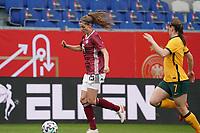 Tabea Waßmuth (Deutschland, Germany) gegen Karly Roestbakken (Australien, Australia) - 10.04.2021 Wiesbaden: Deutschland vs. Australien, BRITA Arena, Frauen, Freundschaftsspiel