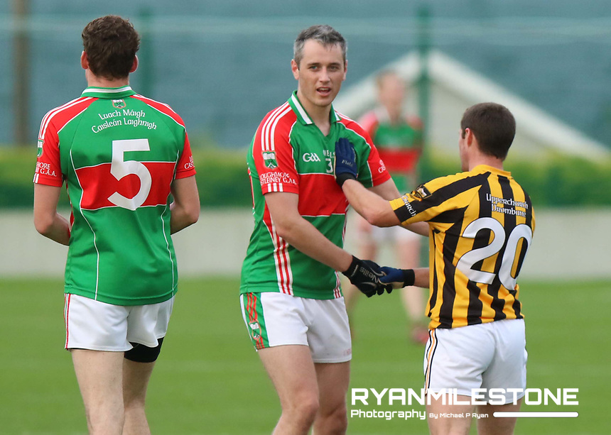 2017 Mid Tipperary Senior Football Final,<br /> Loughmore/Castleiney vs Upperchurch/Drombane,<br /> Saturday 9th September 2017,<br /> Littelton, Co Tipperary,<br /> Loughmore/Castleiney's Willie Eviston shakes hands with Eoin Shortt of Upperchurch/Drombane at the end of the match.<br /> Photo By: Michael P Ryan