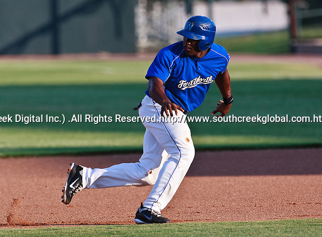 Fort Worth Cats Infielder Aljay Davis (7) in action during the American Association of Independant Professional Baseball game between the Gary Southshore Railcats and the Fort Worth Cats at the historic LaGrave Baseball Field in Fort Worth, Tx. Gary Southshore defeats Fort Worth 7 to 3.