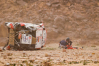 7th January 2021; Riyadh to Buraydah, Saudi Arabia; Dakar Rally, stage 5;  332 Lategan Henk (zaf), Cummings Brett (zaf), Toyota, Toyota Gazoo Racing, Auto,  crashes and turns his car over during the 5th stage of the Dakar 2021 between Riyadh and Buraydah, in Saudi Arabia on January 7, 2021