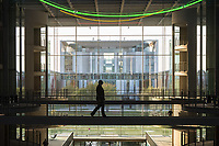 Das Bundeskanzleramt fotografiert aus dem Paul-Loebe-Haus, einem Arbeitsgebaeude des Deutschen Bundestag.<br /> 5.11.2020, Berlin<br /> Copyright: Christian-Ditsch.de