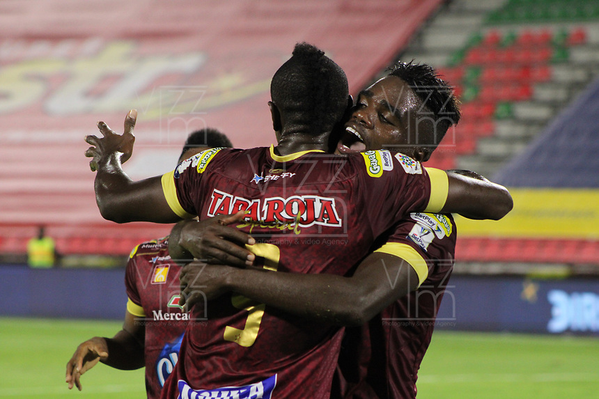 IBAGUE - COLOMBIA, 06-10-2020: Andrey Estupiñan del Tolima celebra después de anotar el segundo gol de su equipo durante partido entre Deportes Tolima y Millonarios por la fecha 12 de la Liga BetPlay DIMAYOR 2020 jugado en el estadio Manuel Murillo Toro de la ciudad de Ibagué. / Andrey Estupiñan of Tolima celebrates after scoring the second goal of his team during match between Deportes Tolima and Millonarios for the date 12 as part BetPlay DIMAYOR League 2020 played at Manuel Murillo Toro stadium in Ibague city.  Photo: VizzorImage / Juan Torres / Cont