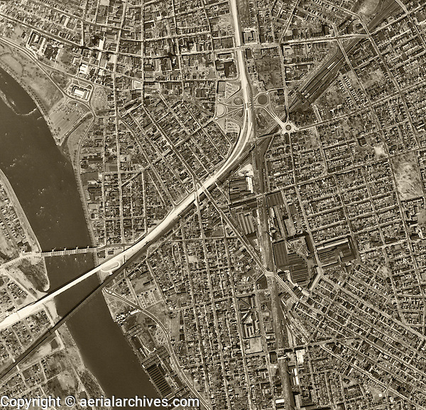 historical aerial photograph Trenton Mercer County New Jersey, 1953