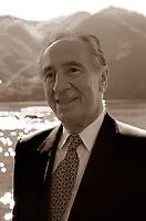 Shimon Peres,  è stato un politico israeliano, di origini polacche, Presidente di Israele dal 2007 al 2014. Cernobbio, Villa d'Este, 3  settembre 2000. Photo by Leonardo Cendamo/Gettyimages
