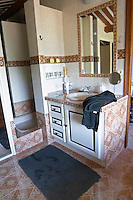 The bathroom in The master bedroom. Clos des Iles Chambres d'Hotes Bed and Breakfast Le Brusc Six Fours Cote d'Azur Var France