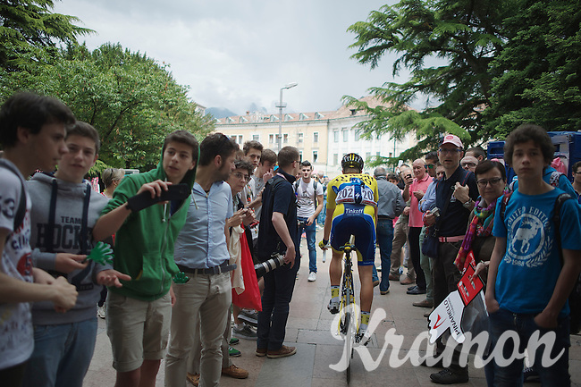 Juul-Jensen Christopher (NOR/Tinkoff-Saxo) finding his way to the start through the crowds<br /> <br /> 2014 Giro d'Italia<br /> stage 18: Belluno - Rifugio Panarotta (Valsugana), 171km