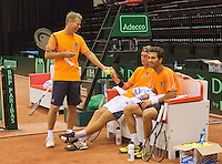 09-09-13,Netherlands, Groningen,  Martini Plaza, Tennis, DavisCup Netherlands-Austria, DavisCup,   Thiemo de Bakker(NED) Jean-Julian Rojer (R) and captain Jan Siemerink (standing)<br /> Photo: Henk Koster