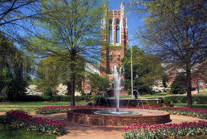university, Richmond, Virginia, VA, Fountain on the campus of the University of Richmond.