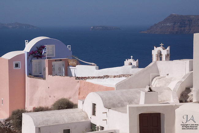Spectacular view from Oia toward Thirassia