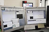 - Milan, editorial office of C6.tv,indipendent TV station that broadcasts via broadband Internet<br /> <br /> - Milano, redazione di C6.tv, emittente televisiva indipendente che trasmette attraverso internet a banda larga