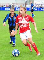 Club Brugge - Standard Femina :  Lieke Martens voor Christine Saelens.fotografe Joke Vuylsteke - vrouwenteam.be