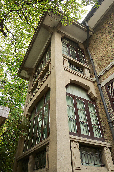 """East """"Turret"""" To The Left Of The Main Entrance. Yichang (Ichang) Residence."""