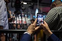 Praesentation des ICE 4 am Mittwoch den 14. September 2016 im Berliner Hauptbahnhof.<br /> 14.9.2016, Berlin<br /> Copyright: Christian-Ditsch.de<br /> [Inhaltsveraendernde Manipulation des Fotos nur nach ausdruecklicher Genehmigung des Fotografen. Vereinbarungen ueber Abtretung von Persoenlichkeitsrechten/Model Release der abgebildeten Person/Personen liegen nicht vor. NO MODEL RELEASE! Nur fuer Redaktionelle Zwecke. Don't publish without copyright Christian-Ditsch.de, Veroeffentlichung nur mit Fotografennennung, sowie gegen Honorar, MwSt. und Beleg. Konto: I N G - D i B a, IBAN DE58500105175400192269, BIC INGDDEFFXXX, Kontakt: post@christian-ditsch.de<br /> Bei der Bearbeitung der Dateiinformationen darf die Urheberkennzeichnung in den EXIF- und  IPTC-Daten nicht entfernt werden, diese sind in digitalen Medien nach §95c UrhG rechtlich geschuetzt. Der Urhebervermerk wird gemaess §13 UrhG verlangt.]