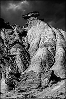 Europe, Espagne, Navarre, env d'Arguedas: Parc Naturel des Bardenas Reales, Blanca baja, Cabezo de las Cortinillas , Cheminée de fée // Europe, Spain, Navarre, near Arguedas: Bardenas Reales Natural Park, White Bardena, Cabezo de las Cortinillas , Hoodoo